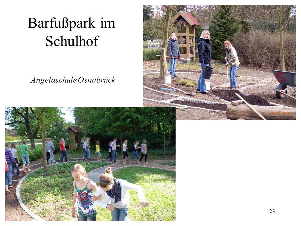 Barfußpark im Schulhof