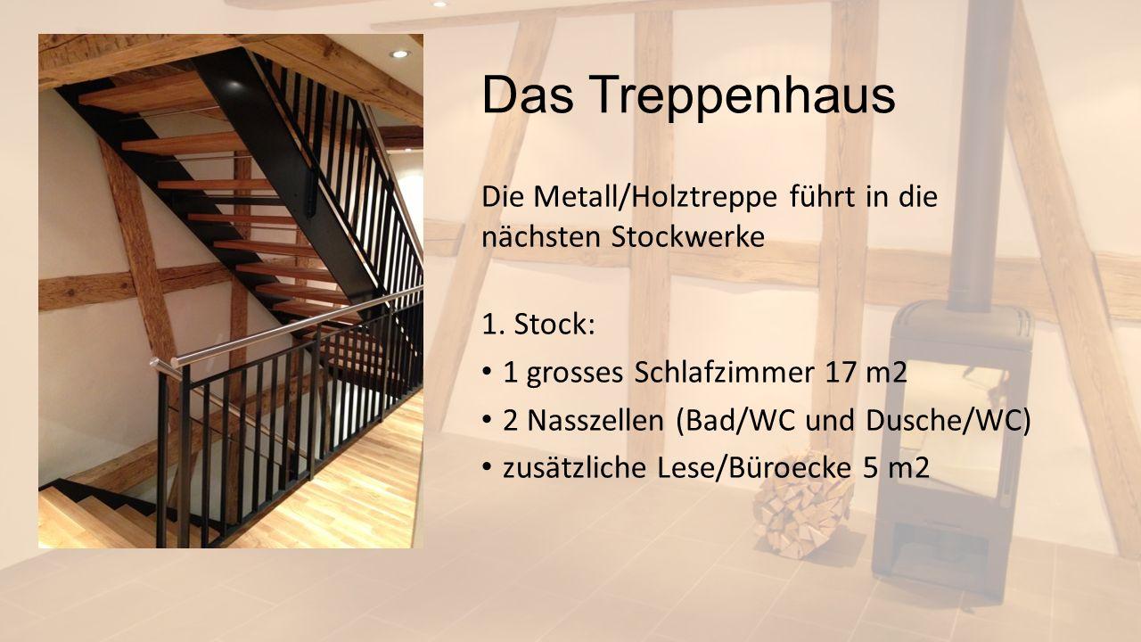 Das Treppenhaus Die Metall/Holztreppe führt in die nächsten Stockwerke