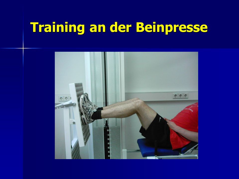 Training an der Beinpresse